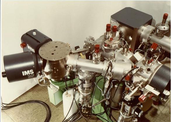 Масс-спектрометрия имеет дело с ионами